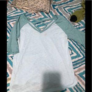 Tops - cute new shirt!!